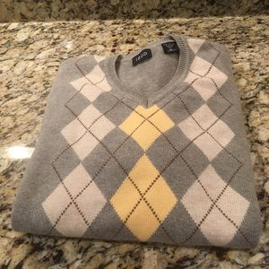 Izod Gray/Yellow Argyle Sweater